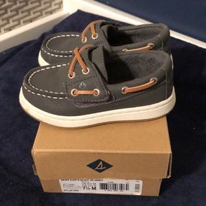 Worn once! Grey Sperry boat shoe size 7.5
